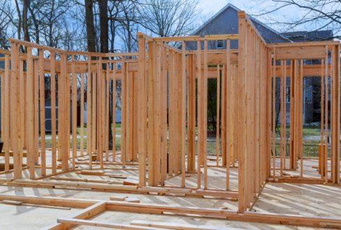 Koka konstrukciju izbūve
