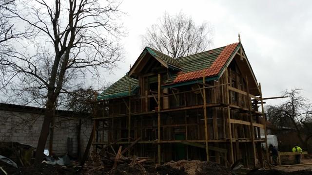 Jumta konstrukcijas izbūve un māla dakstiņa seguma montāža privātmājai gallery